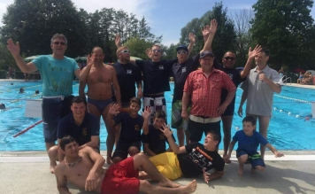 Feuerwehr Tettnang schwimmt für guten Zweck