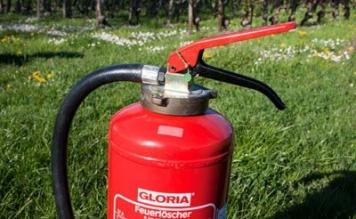 Feuerlöscher richtig verwenden